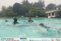 Water skill practise: fin kicking